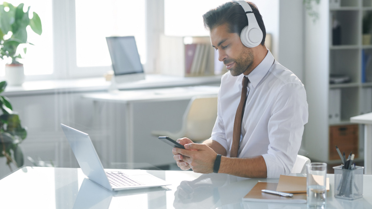 podcasting for employee communication and engagement